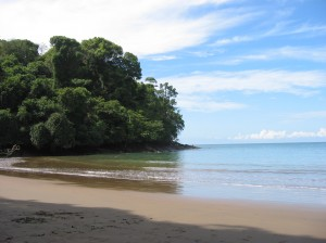 Playa-Piñuelas-Costa-Rica-01